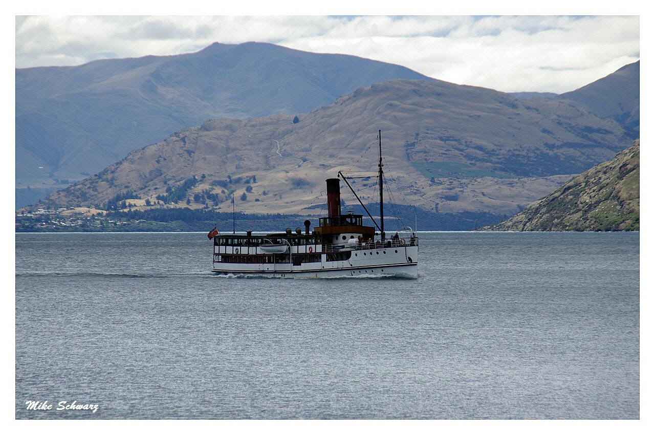 Earnslaw Lake Wakatipu